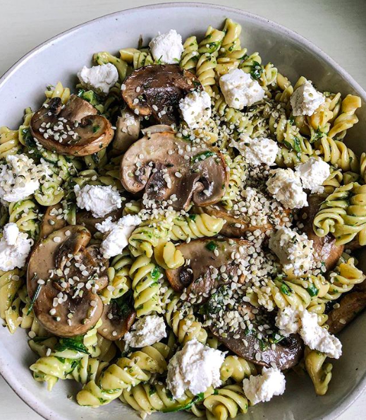 Chickpea Pasta with Mushrooms and Spinach Sauce
