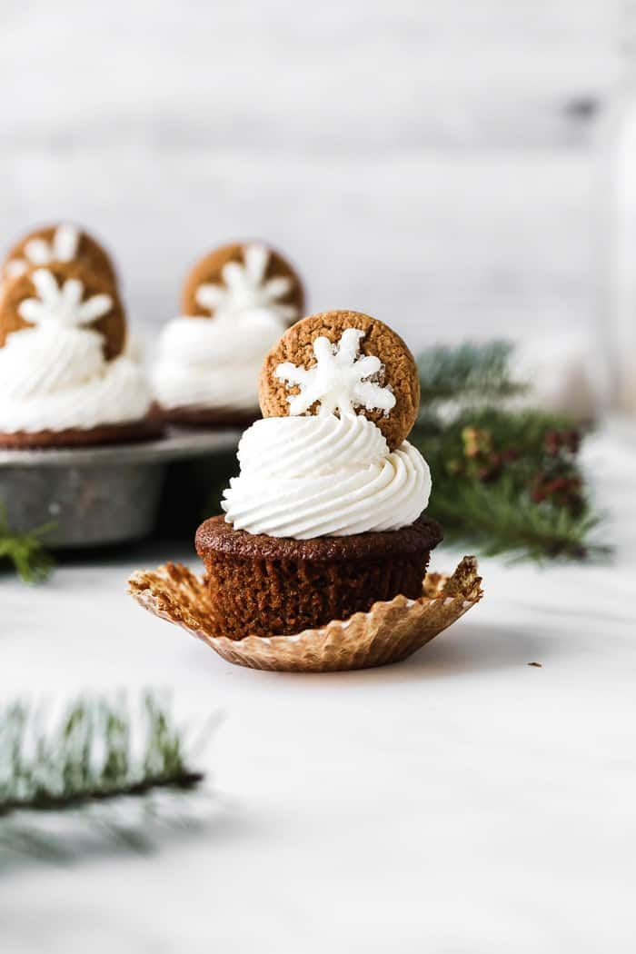 Frosted Gingerbread Cupcakes