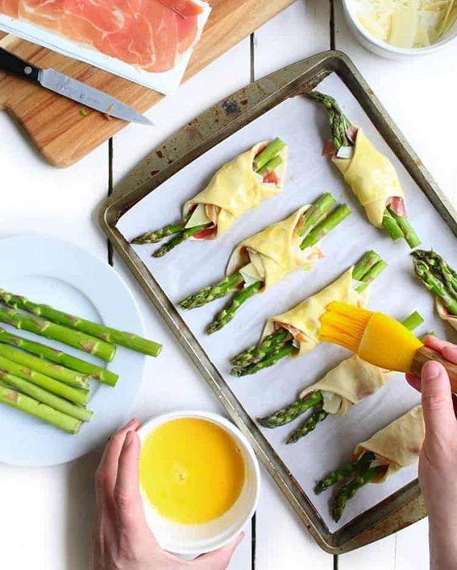 Asparagus, Prosciutto & Cheese Bundles