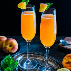 Venetian Peach Cocktails